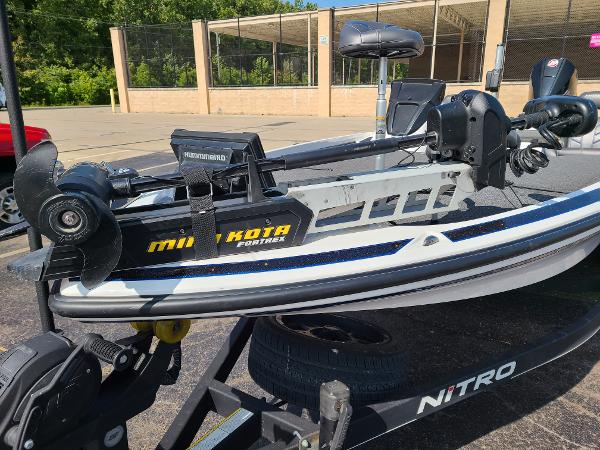 2019 Nitro boat for sale, model of the boat is Z21 PRO PACK DEMO & Image # 20 of 22