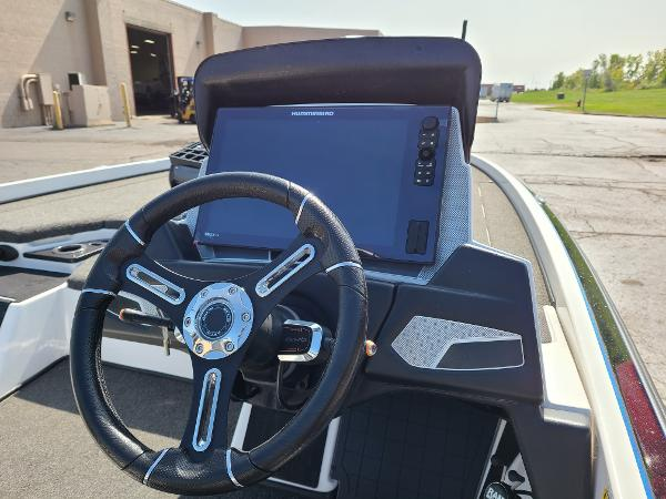 2019 Nitro boat for sale, model of the boat is Z21 PRO PACK DEMO & Image # 2 of 22
