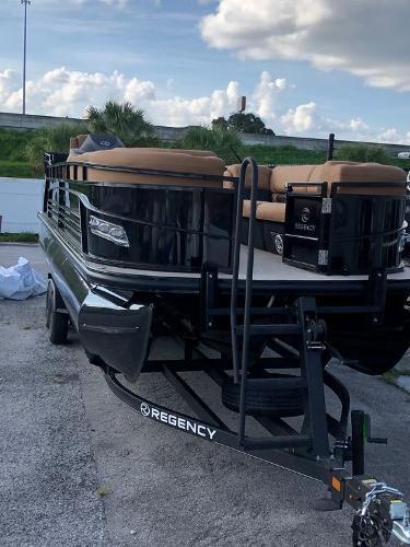 2021 Regency boat for sale, model of the boat is 250 LE3 Sport & Image # 4 of 29