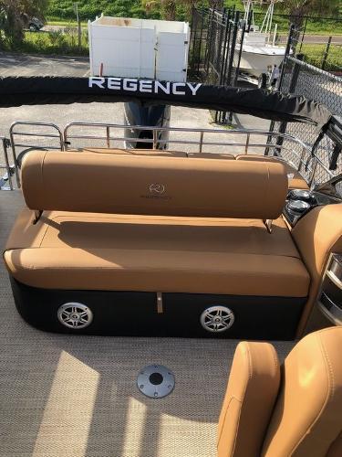 2021 Regency boat for sale, model of the boat is 250 LE3 Sport & Image # 9 of 29