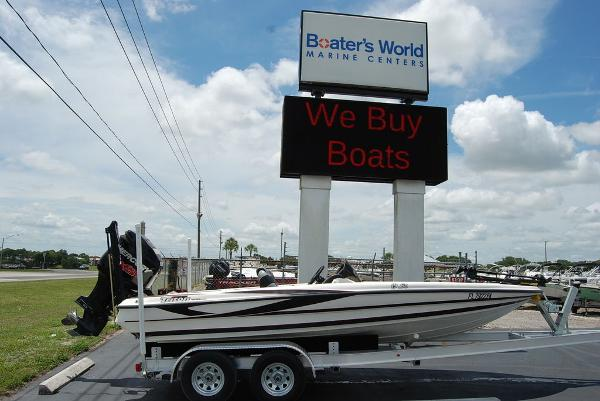 2011 Triton boat for sale, model of the boat is 19SE & Image # 1 of 11