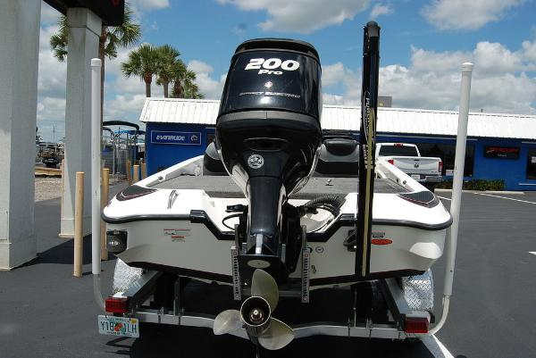 2011 Triton boat for sale, model of the boat is 19SE & Image # 2 of 11