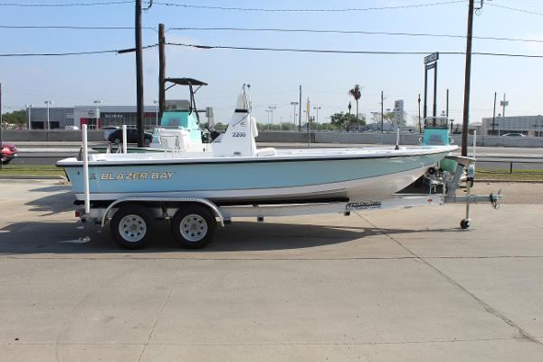 2021 Blazer boat for sale, model of the boat is 2200 Bay & Image # 4 of 15