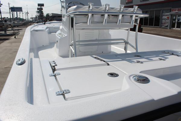 2021 Blazer boat for sale, model of the boat is 2200 Bay & Image # 8 of 15