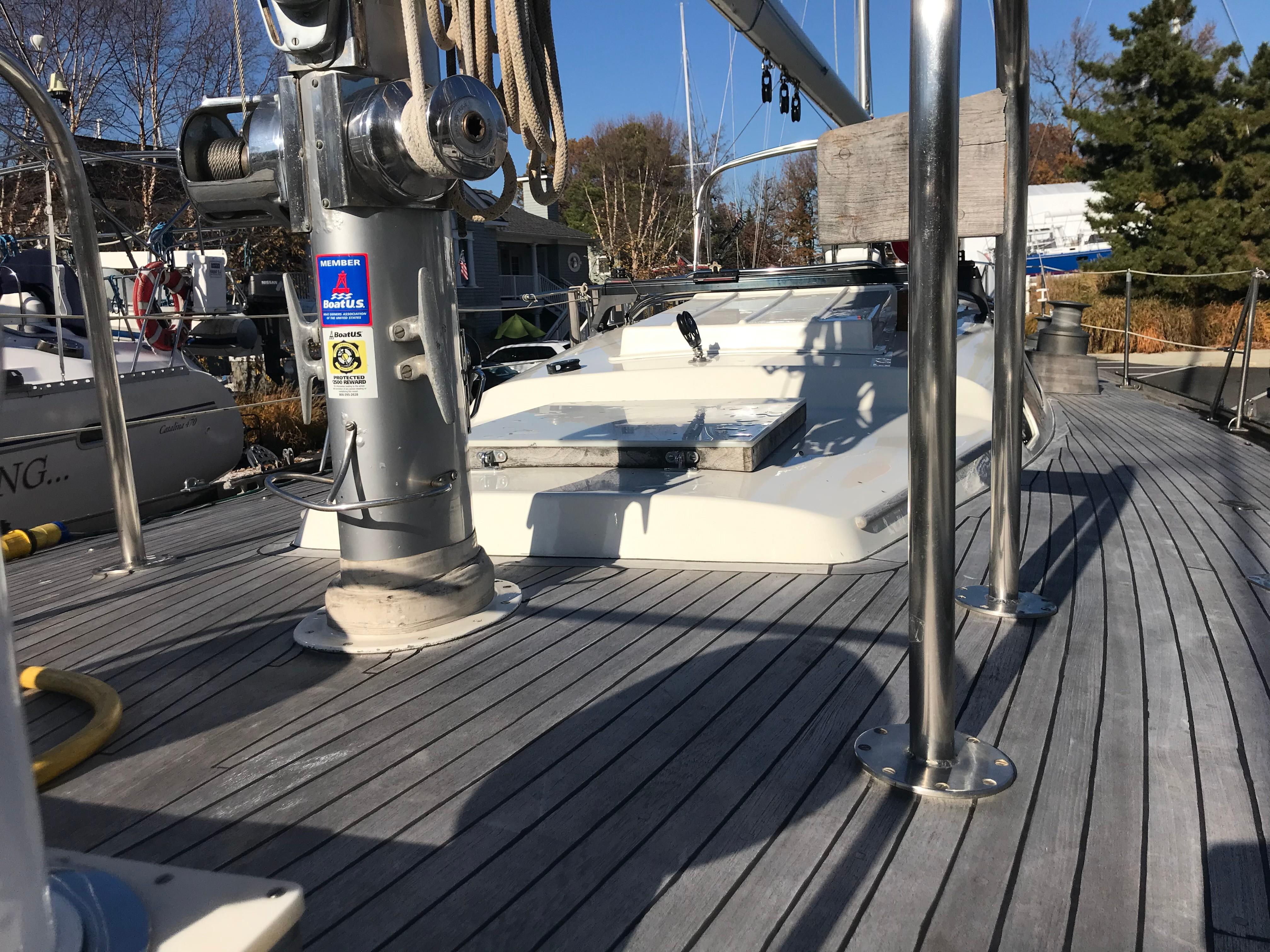 Looking aft from foredeck