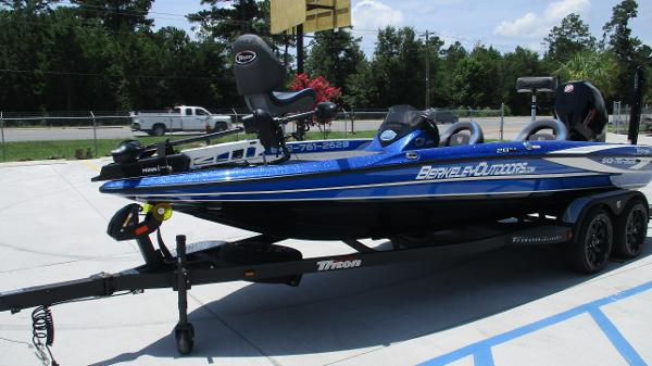 2020 Triton boat for sale, model of the boat is 20 TRX & Image # 2 of 68