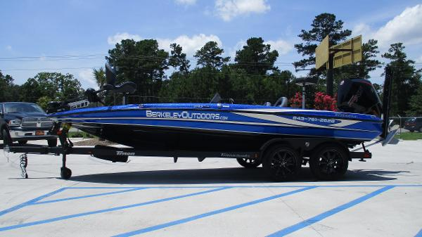 2020 Triton boat for sale, model of the boat is 20 TRX & Image # 4 of 68