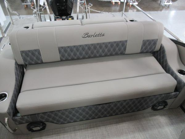 2021 Barletta boat for sale, model of the boat is L25UC Tri-toon & Image # 15 of 28