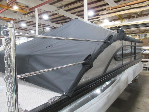 2021 Barletta boat for sale, model of the boat is L25UC Tri-toon & Image # 25 of 28