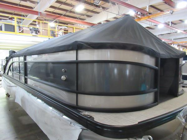 2021 Barletta boat for sale, model of the boat is L25UC Tri-toon & Image # 26 of 28