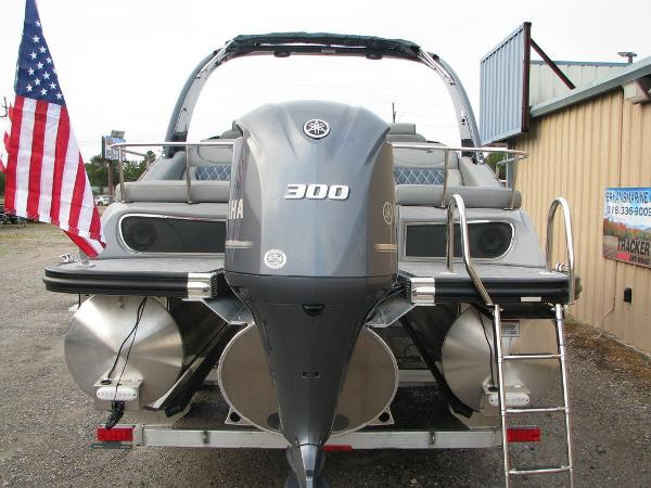 2021 Bennington boat for sale, model of the boat is QX25CW & Image # 7 of 61