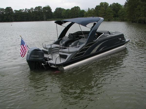 2021 Bennington boat for sale, model of the boat is QX25CW & Image # 12 of 61
