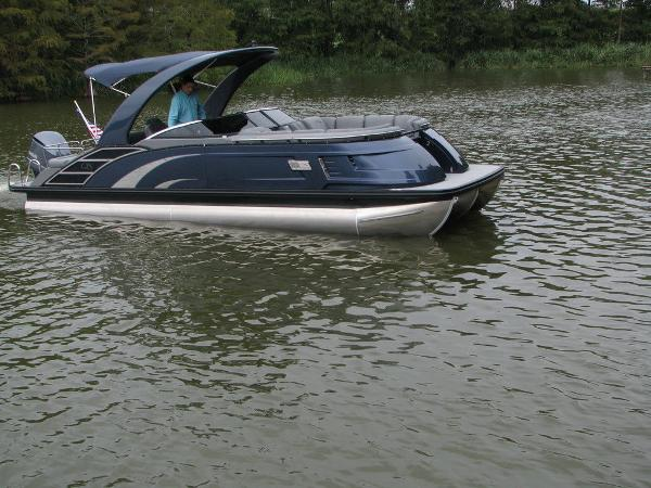 2021 Bennington boat for sale, model of the boat is QX25CW & Image # 14 of 61