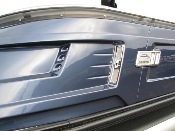 2021 Bennington boat for sale, model of the boat is QX25CW & Image # 29 of 61