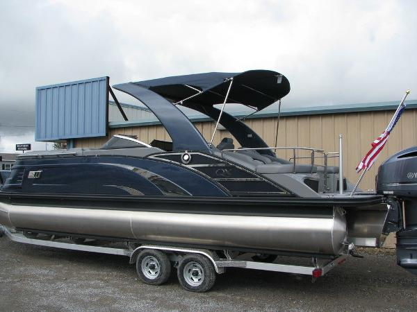 2021 Bennington boat for sale, model of the boat is QX25CW & Image # 40 of 61