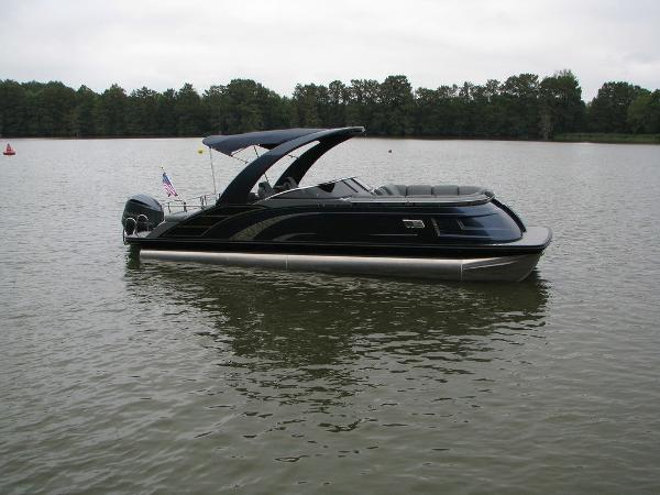 2021 Bennington boat for sale, model of the boat is QX25CW & Image # 49 of 61