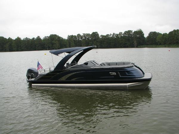 2021 Bennington boat for sale, model of the boat is QX25CW & Image # 52 of 61