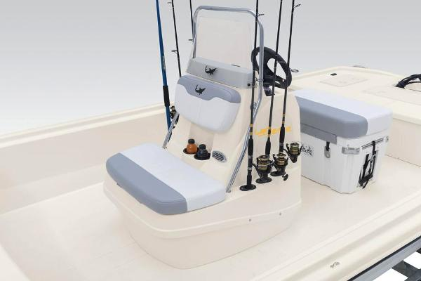 2020 Mako boat for sale, model of the boat is Pro Skiff 19 CC & Image # 29 of 36