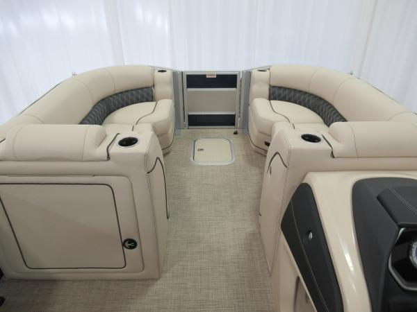 2021 Barletta boat for sale, model of the boat is L25UE Tri-toon & Image # 4 of 23