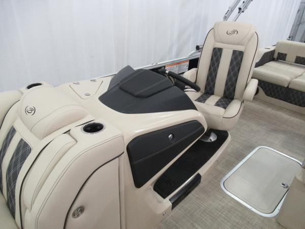2021 Barletta boat for sale, model of the boat is L25UE Tri-toon & Image # 6 of 23