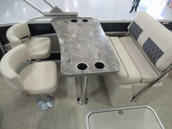 2021 Barletta boat for sale, model of the boat is L25UE Tri-toon & Image # 11 of 23