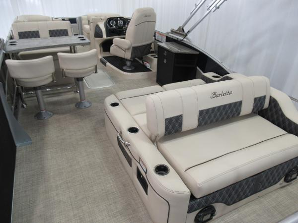 2021 Barletta boat for sale, model of the boat is L25UE Tri-toon & Image # 13 of 23