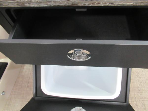 2021 Barletta boat for sale, model of the boat is L25UE Tri-toon & Image # 18 of 23