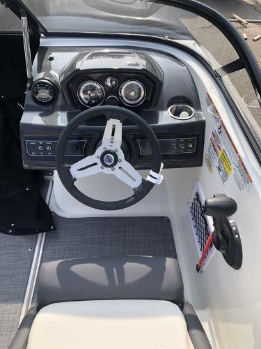 2021 Bayliner boat for sale, model of the boat is VR5 OB & Image # 3 of 7