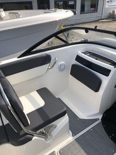 2021 Bayliner boat for sale, model of the boat is VR5 OB & Image # 4 of 7