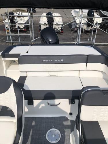 2021 Bayliner boat for sale, model of the boat is VR5 OB & Image # 5 of 7