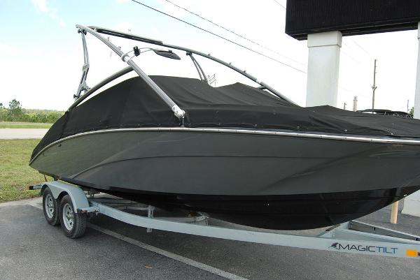2014 Yamaha boat for sale, model of the boat is 212SX & Image # 3 of 11