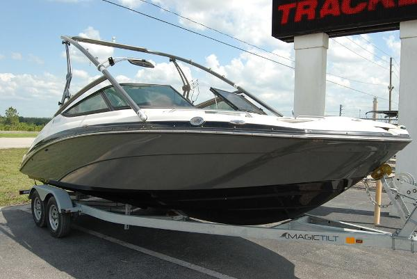 2014 Yamaha boat for sale, model of the boat is 212SX & Image # 8 of 11
