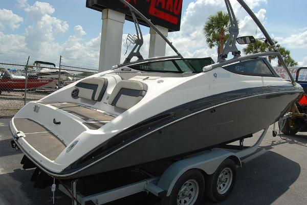 2014 Yamaha boat for sale, model of the boat is 212SX & Image # 9 of 11