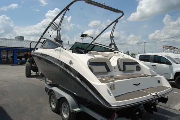 2014 Yamaha boat for sale, model of the boat is 212SX & Image # 10 of 11
