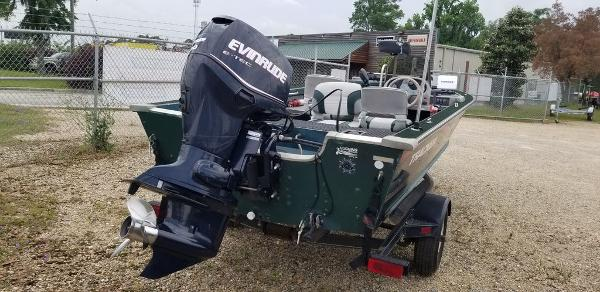 1996 Tracker Boats boat for sale, model of the boat is Pro V-17 & Image # 2 of 6