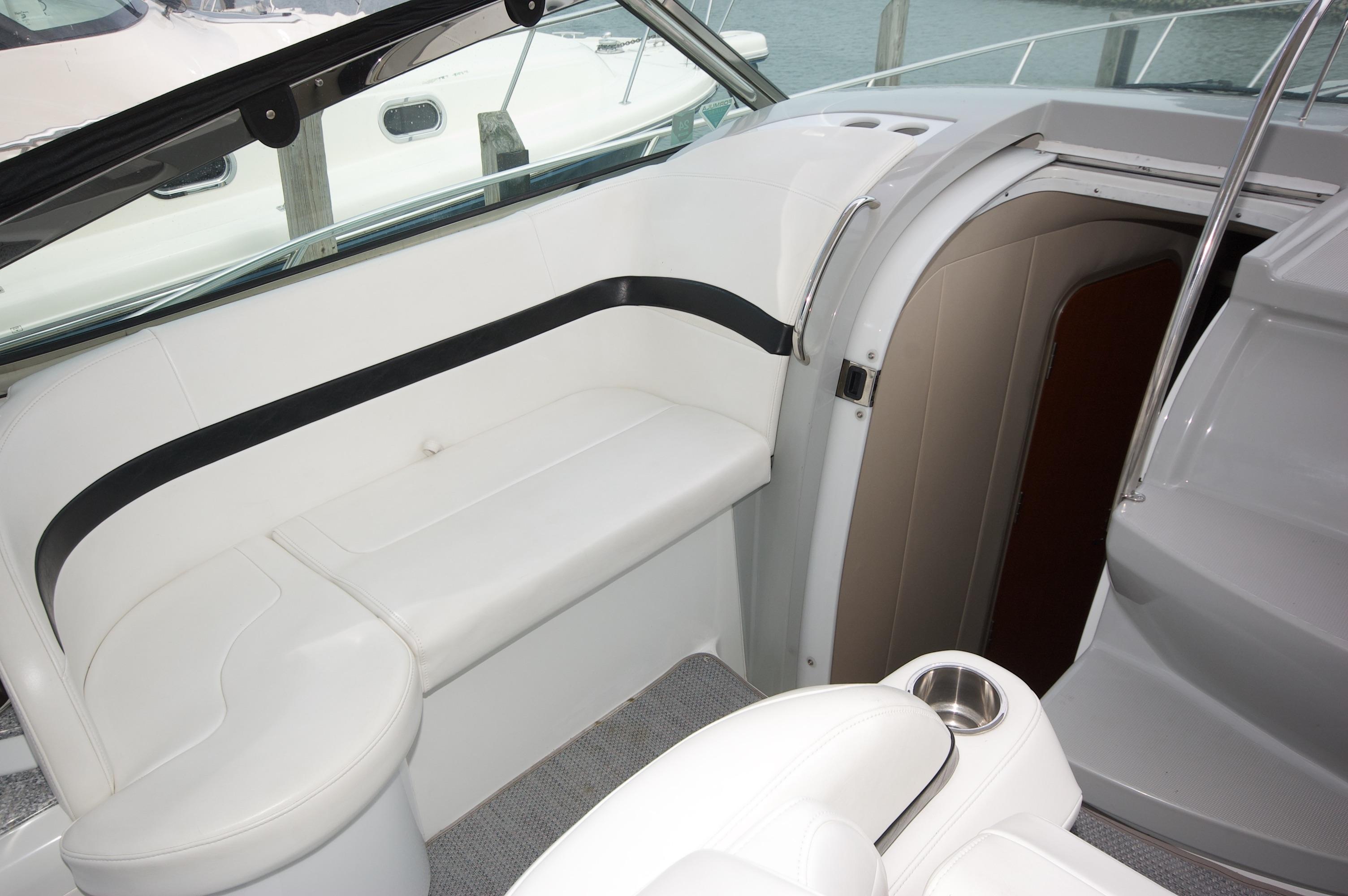 O 6363 HG Knot 10 Yacht Sales