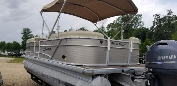 2018 Sweetwater boat for sale, model of the boat is SW 2286 DFS & Image # 4 of 8