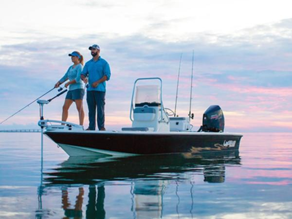 2021 Mako boat for sale, model of the boat is 21 LTS & Image # 1 of 1
