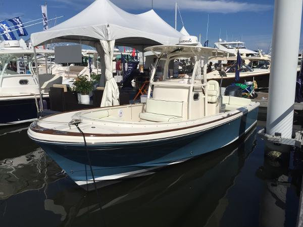 2016 Hunt Yachts 26 Center Console thumbnail