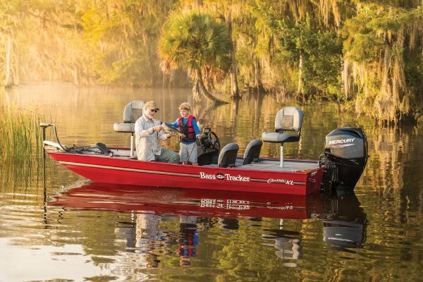 2022 Tracker Boats boat for sale, model of the boat is Bass Tracker Classic XL & Image # 3 of 47
