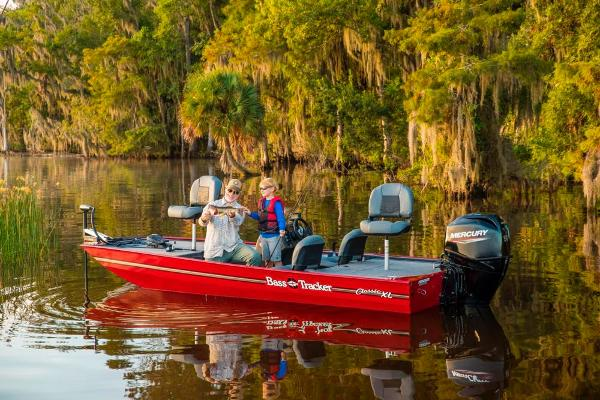 2021 Tracker Boats boat for sale, model of the boat is Bass Tracker Classic XL & Image # 4 of 47