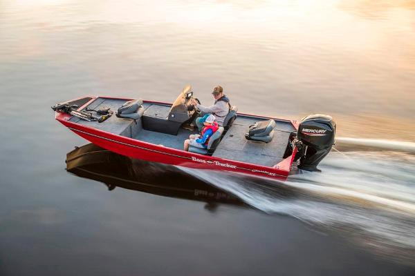 2022 Tracker Boats boat for sale, model of the boat is Bass Tracker Classic XL & Image # 7 of 47