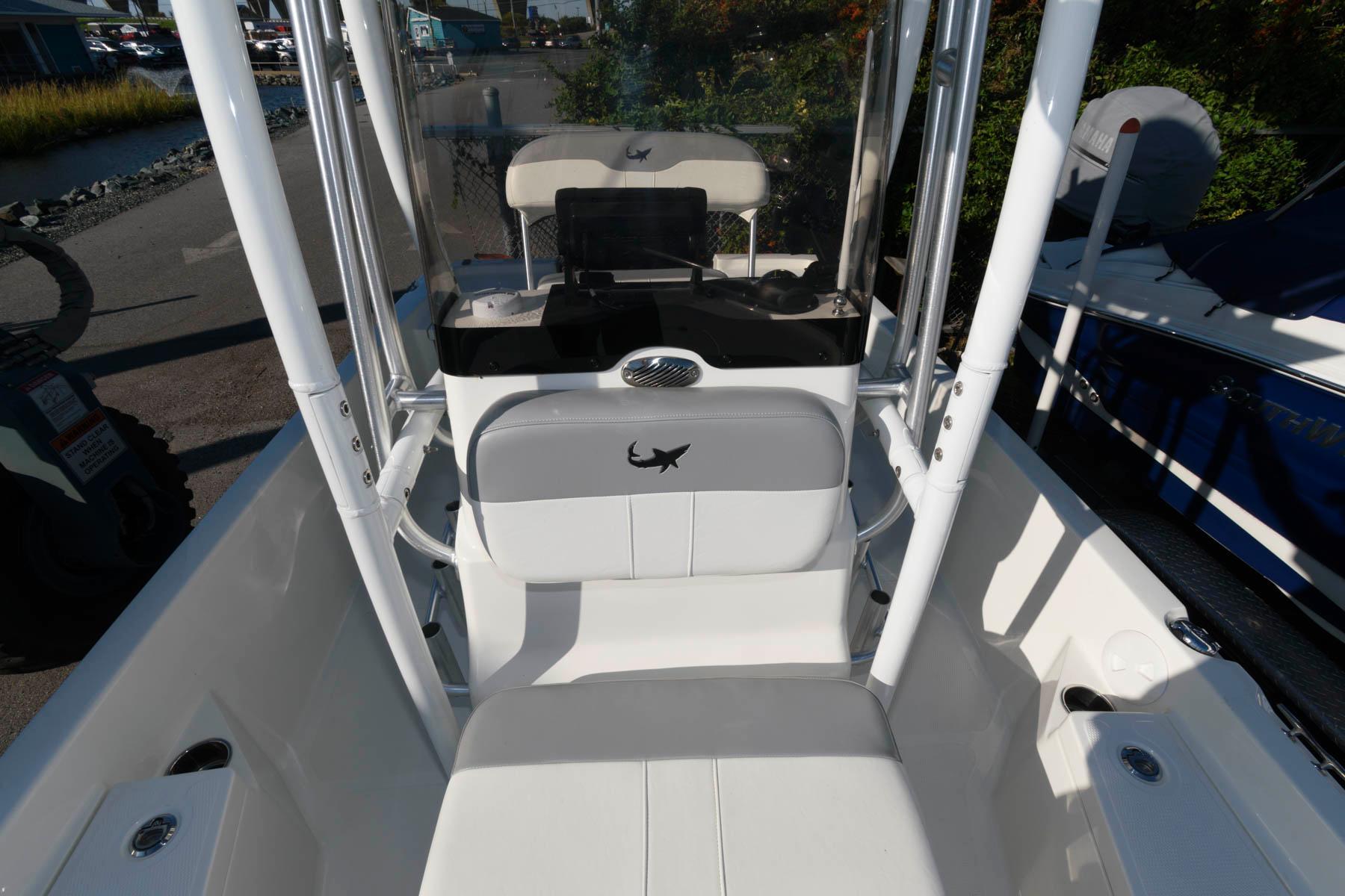 M 6555 KB Knot 10 Yacht Sales