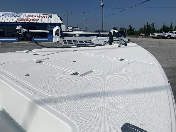 2005 Sea Fox boat for sale, model of the boat is Flats & Image # 6 of 9