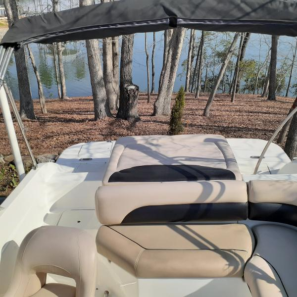 2014 Hurricane boat for sale, model of the boat is SunDeck Sport 201 I/O & Image # 4 of 12