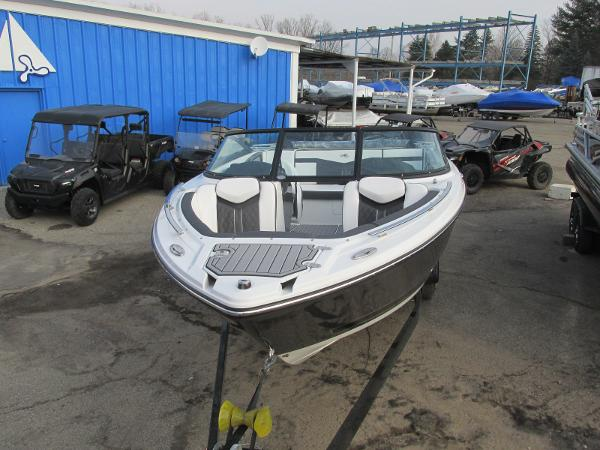 2021 Monterey boat for sale, model of the boat is 218 SS & Image # 5 of 48