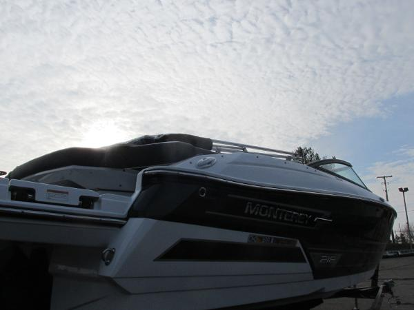 2021 Monterey boat for sale, model of the boat is 218 SS & Image # 7 of 48