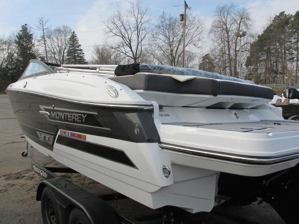 2021 Monterey boat for sale, model of the boat is 218 SS & Image # 8 of 48