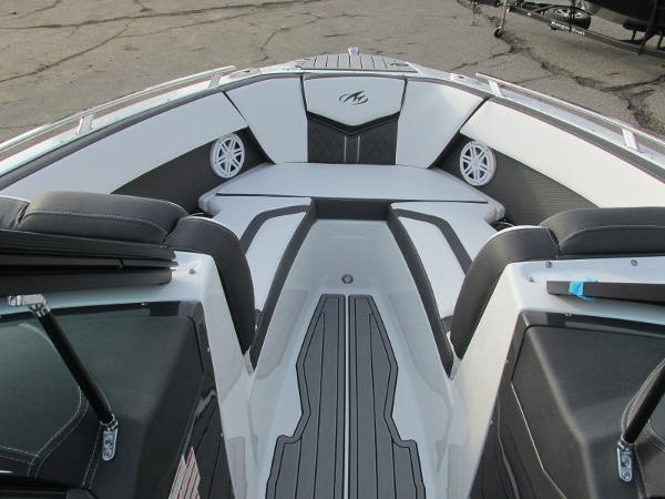 2021 Monterey boat for sale, model of the boat is 218 SS & Image # 12 of 48