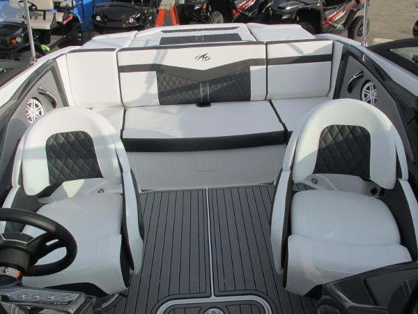 2021 Monterey boat for sale, model of the boat is 218 SS & Image # 24 of 48